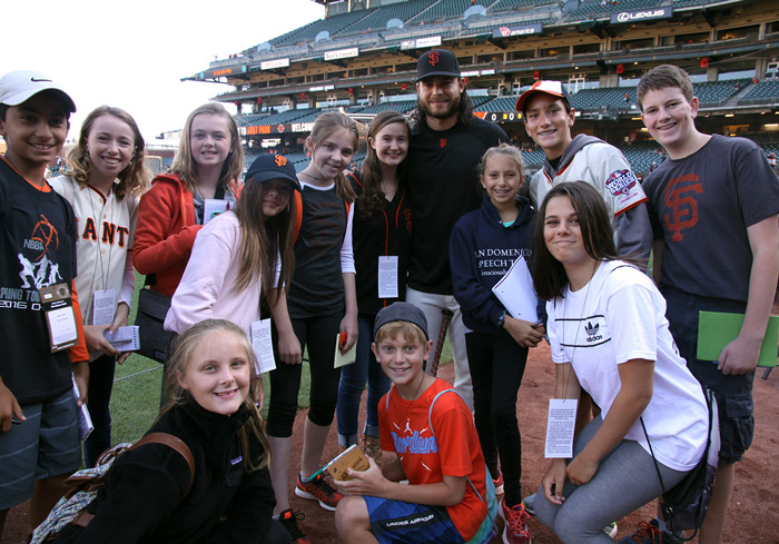 Image of the FastForward reporters and Brandon Crawford at AT&T Park